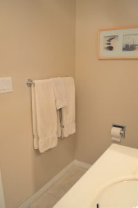 Minimalist bathroom tour - simplifying to make life easier