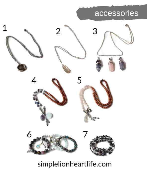 2019 summer capsule wardrobe - accessories